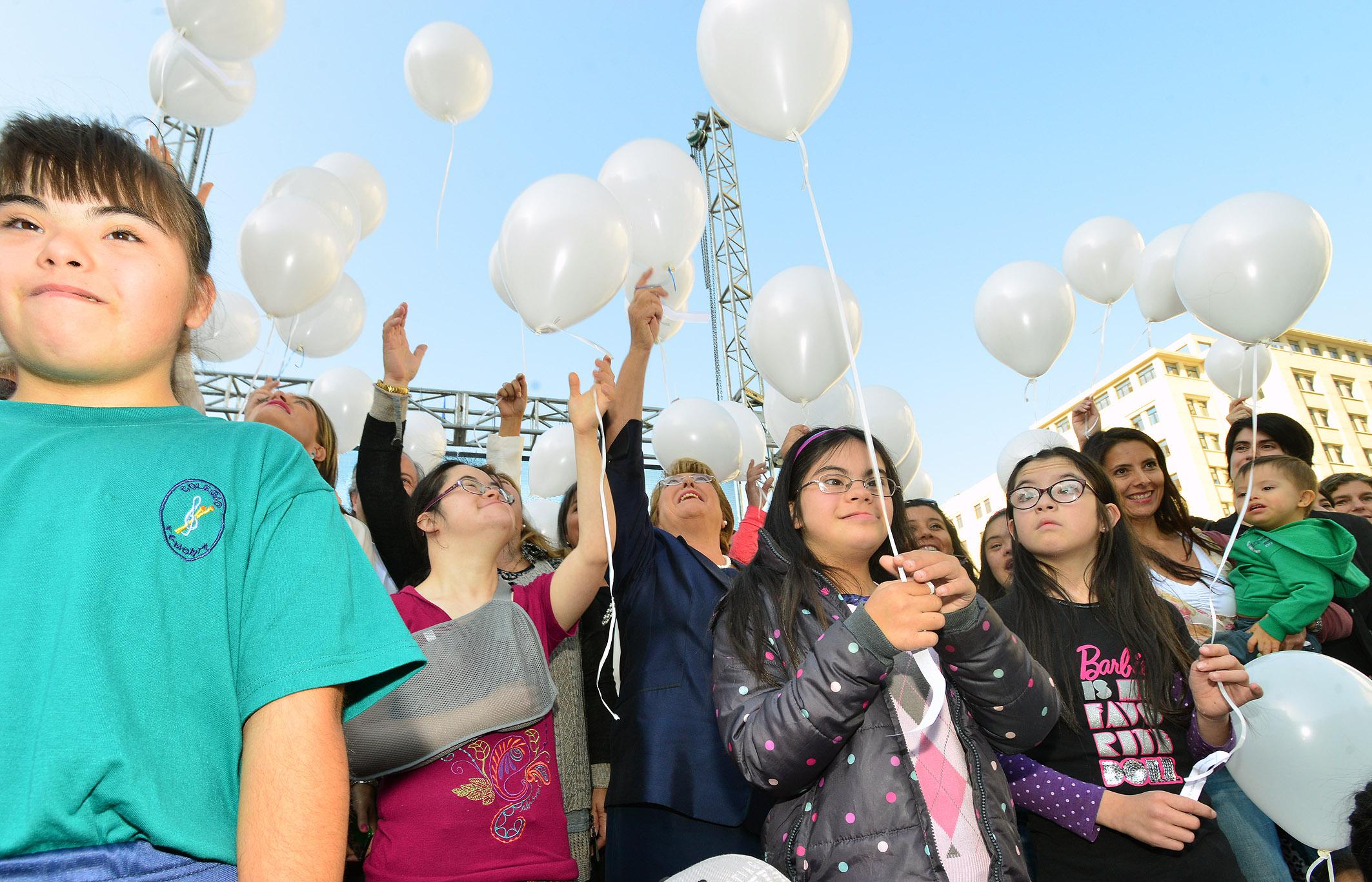 Conmemoración del Día Mundial del Síndrome de Down en la Plaza de la Constitución / Fuente: www.prensapresidencia.cl