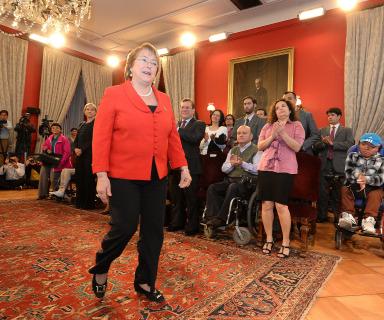 Presidenta Bachelet durante la presentación de la Comisión Asesora Presidencial - Fuente: Presidencia de la República