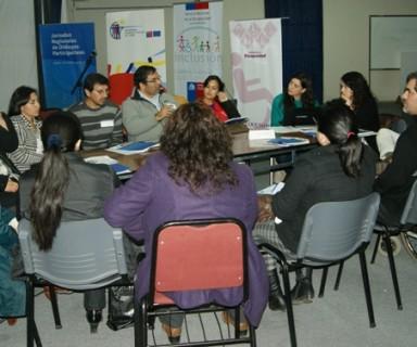 Personas participando en grupo de trabajo - Fuente: Senadis
