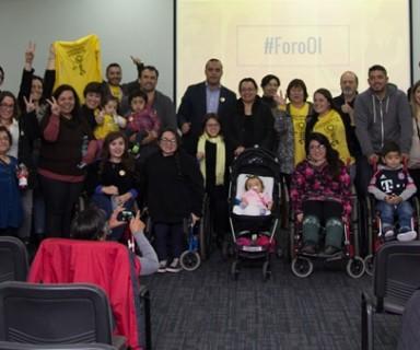 Fotografía grupal con todos los asistentes al FORO OI