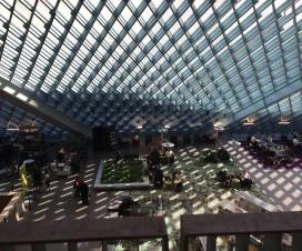Vista del interior de la Biblioteca Pública de Seattle